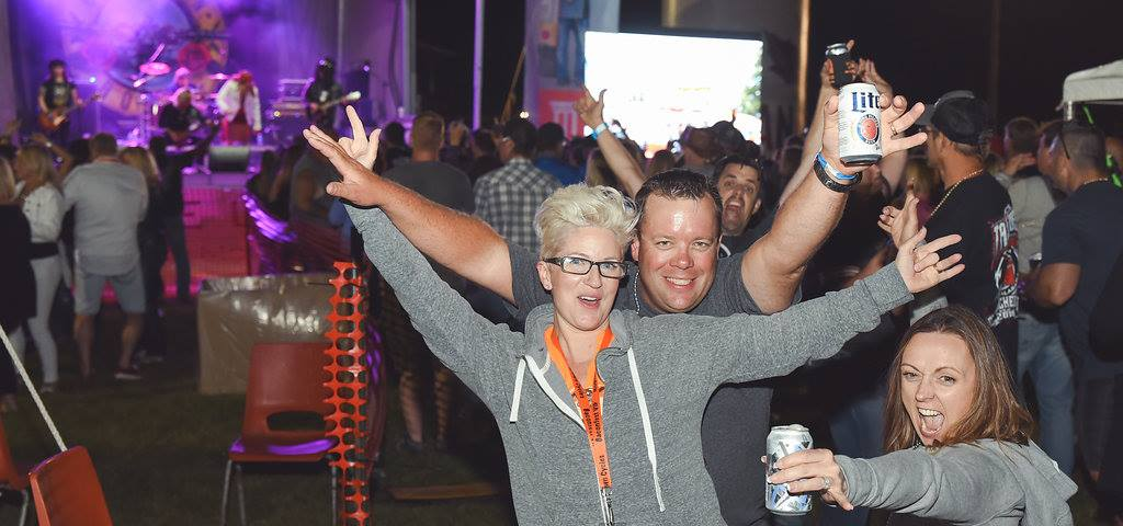 Partying and Dancing at Hogland, Baconfest 2018